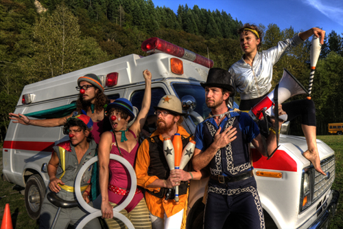 Emergency Circus, a nonprofit organization, connects patients with performers to heal with laughter and fun. photo courtesy Emergency Circus